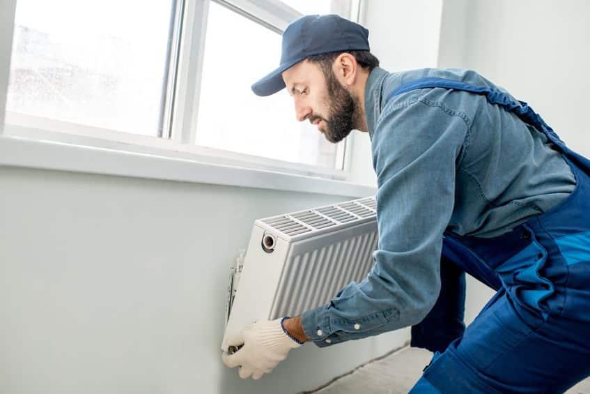 hvac tech performing heating repair evanston wy